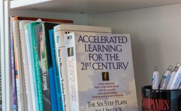 2. ključ do uspešnega vodenja: Nenehno učenje